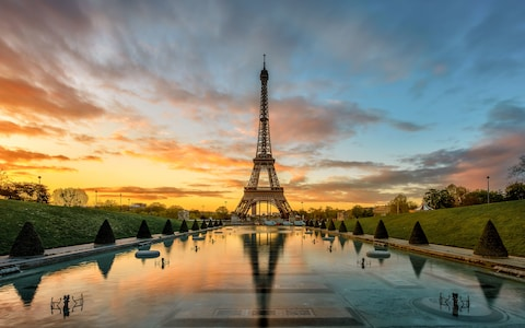 eiffel-tower-paris-p